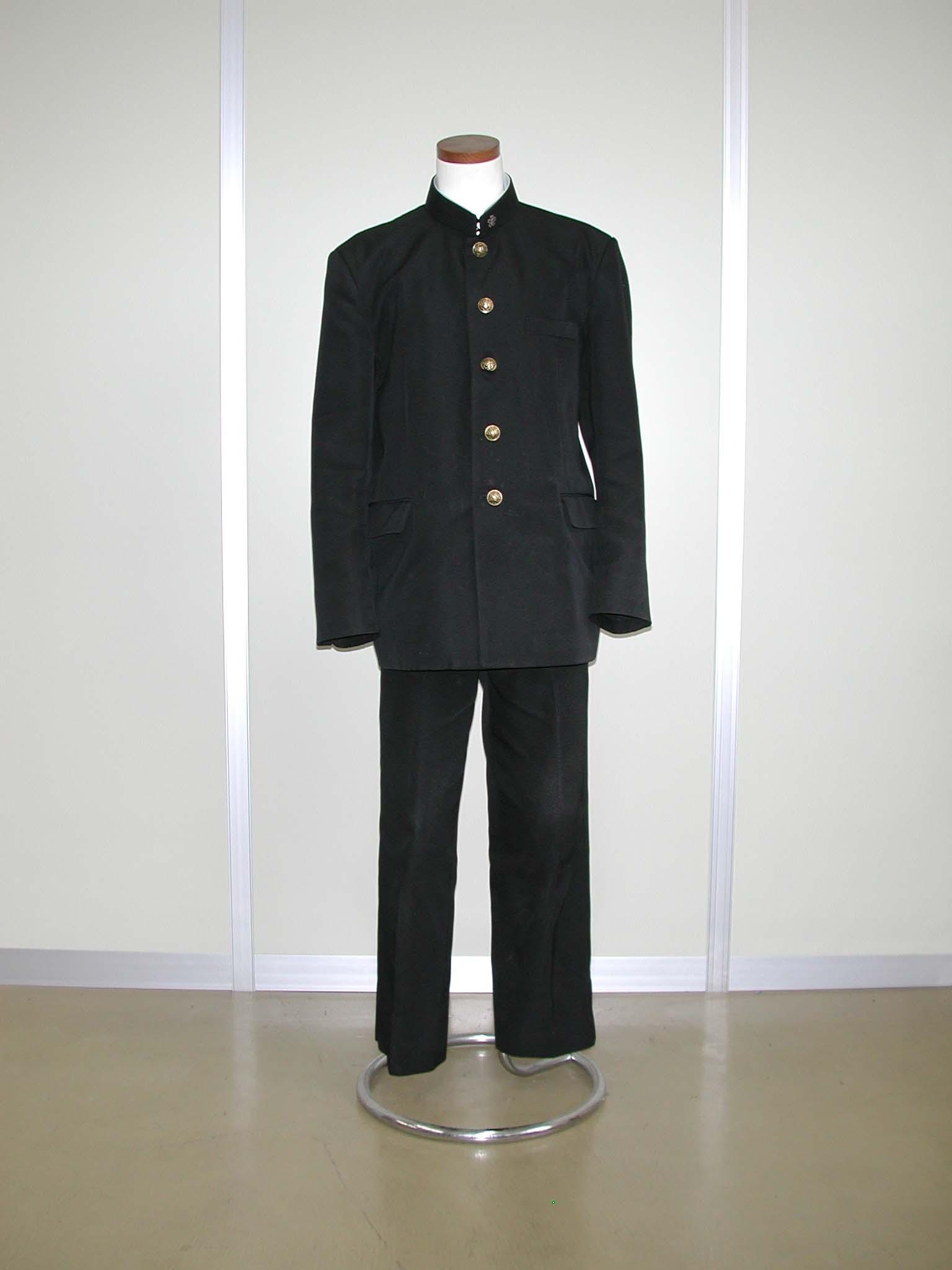 検見川高等学校制服画像